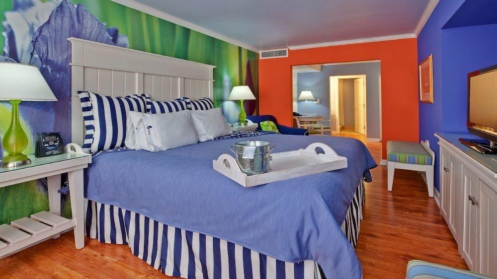 property Bedroom home cottage bed sheet Villa