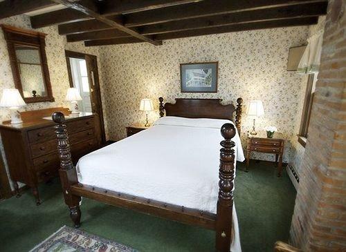 property building billiard room cottage recreation room Villa farmhouse Bedroom
