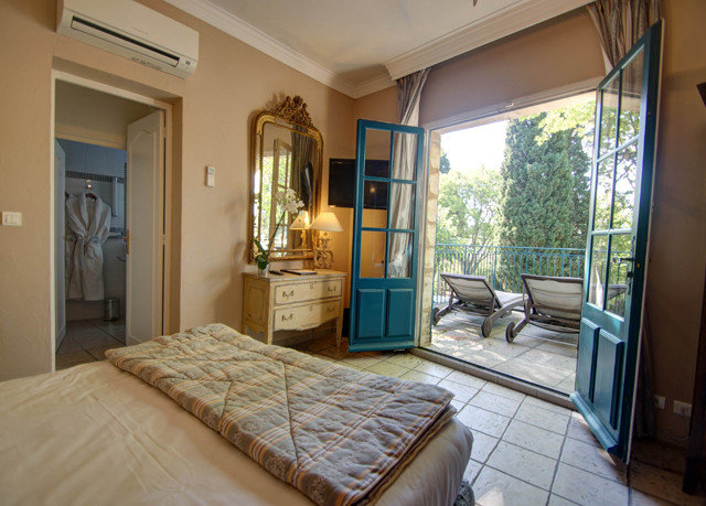 property Bedroom cottage home Villa condominium farmhouse