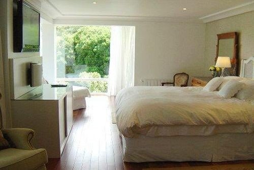 property Bedroom cottage home living room Villa condominium farmhouse