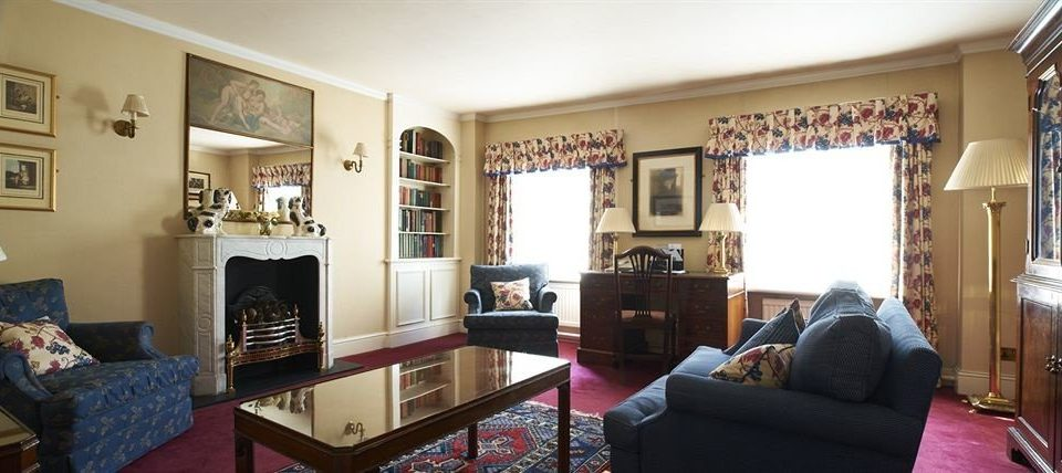 sofa property living room home cottage Villa condominium Bedroom flat