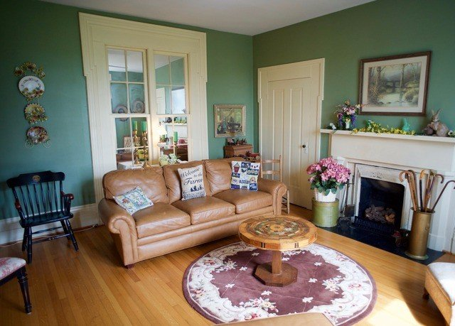 living room property home cottage hardwood Bedroom condominium Villa