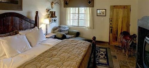 property cottage Bedroom home Villa mansion farmhouse