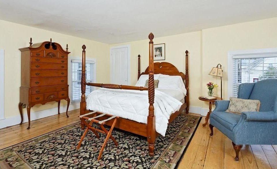 property Bedroom cottage home hardwood Villa farmhouse