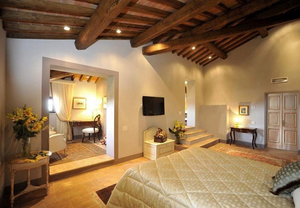 property living room cottage home hardwood Villa farmhouse Bedroom