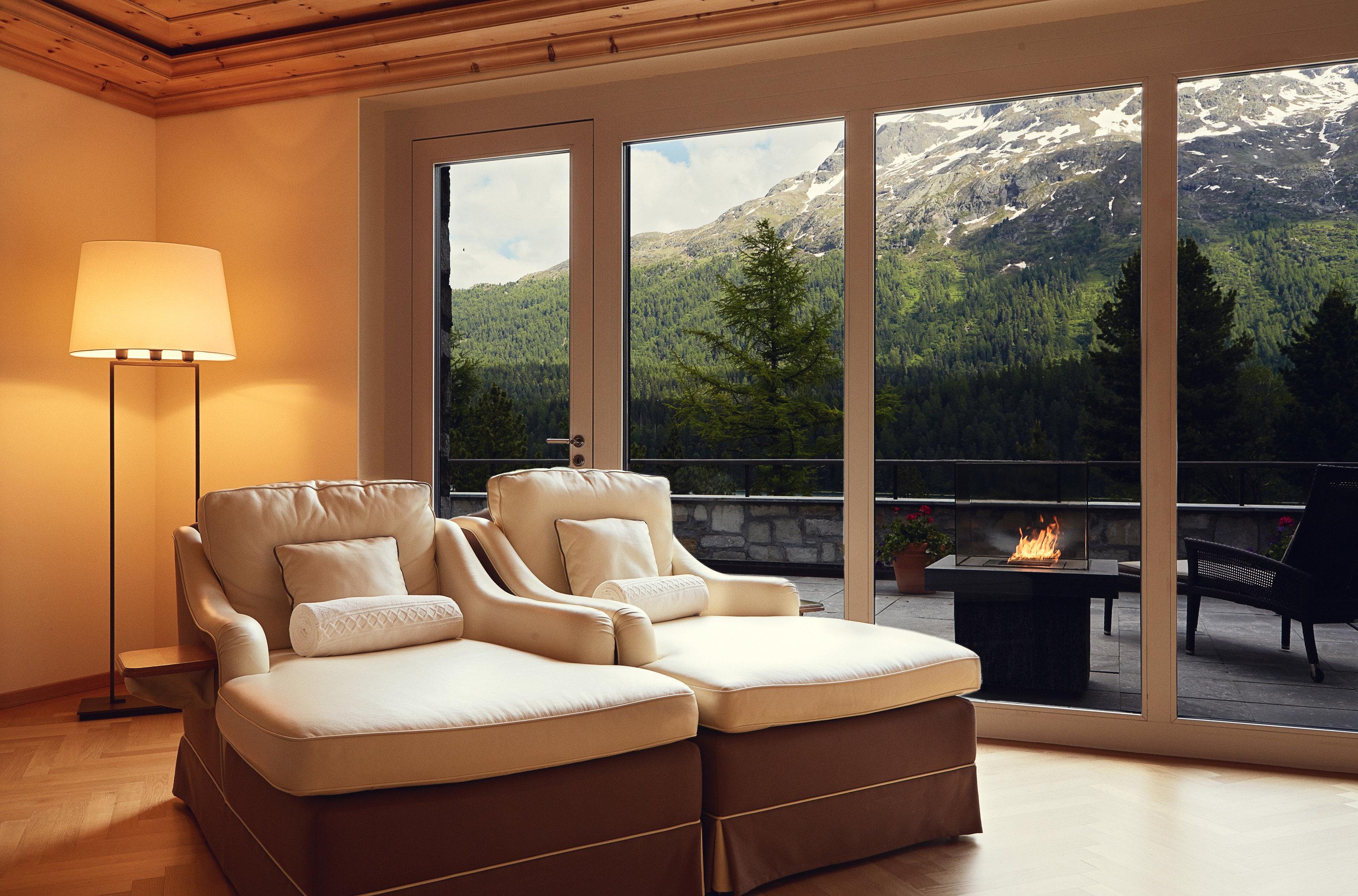 property living room home hardwood cottage Villa nice Bedroom overlooking