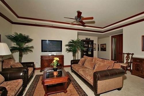 sofa property living room home cottage hardwood Bedroom Villa leather