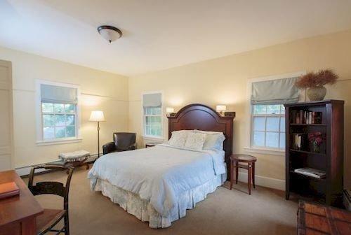 Bedroom property cottage hardwood Villa