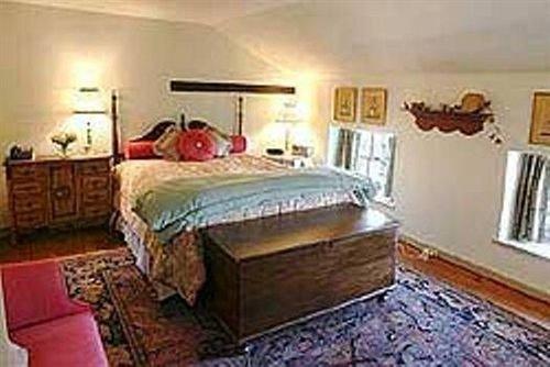 property Bedroom cottage Villa hardwood