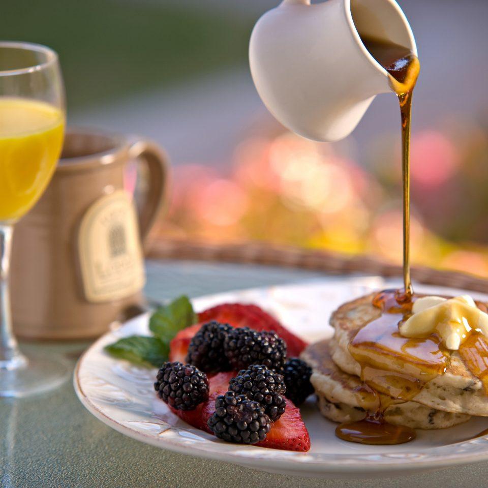 food cup plate breakfast brunch dessert fruit restaurant flavor beverage