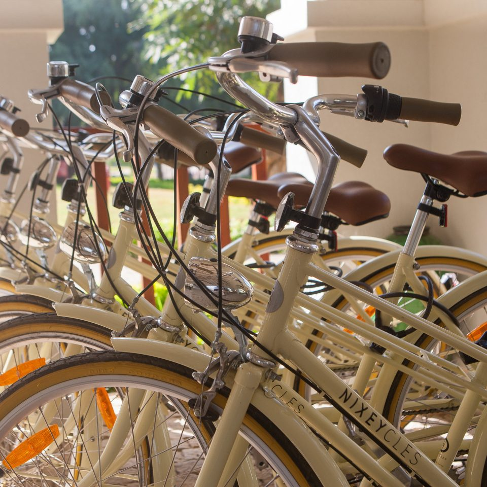bicycle vehicle land vehicle wheel parked motorcycle sports equipment