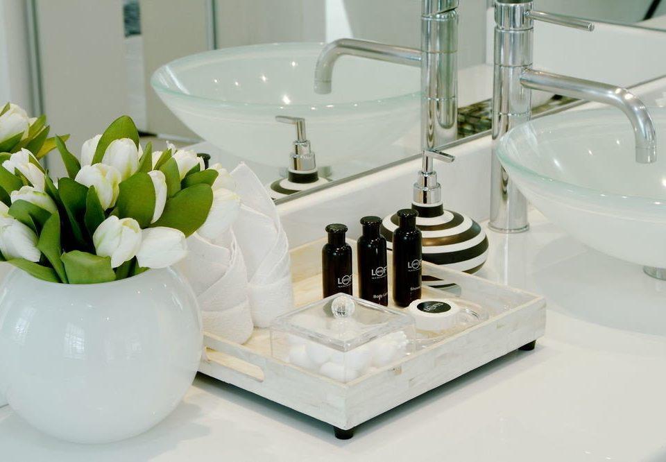 product white sink ceramic lighting bidet plumbing fixture counter glass tap water basin