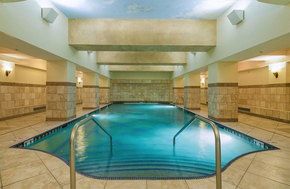 swimming pool property leisure centre billiard room daylighting jacuzzi recreation room empty