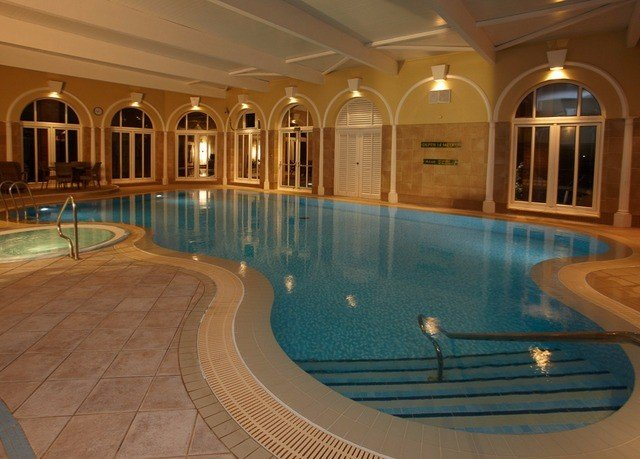 swimming pool property leisure leisure centre mansion billiard room thermae empty