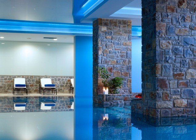 building property swimming pool blue condominium