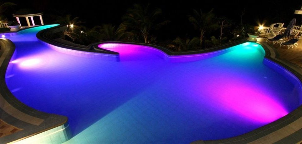 color swimming pool blue screenshot lit spectacles