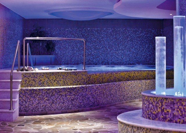 swimming pool jacuzzi blue