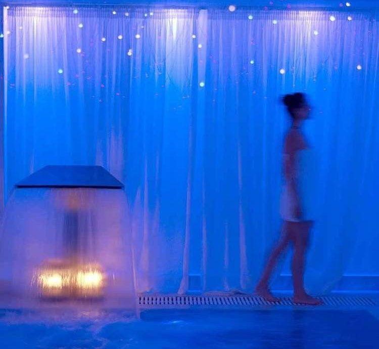 water blue underwater swimming pool light stage lighting