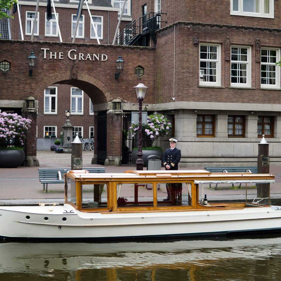 City Cultural Elegant Historic Landmarks Luxury Museums water building Boat Canal waterway vehicle River watercraft