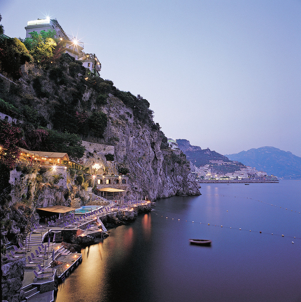 Cultural Deck Elegant Exterior Grounds Honeymoon Outdoors Romance Scenic views water Boat Nature Sea Lake Town Coast mountain River landscape evening aerial photography dusk fjord flower terrain surrounded shore