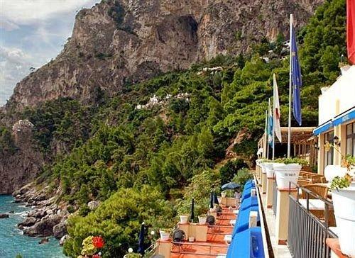 mountain Boat Town Resort Coast Village fjord