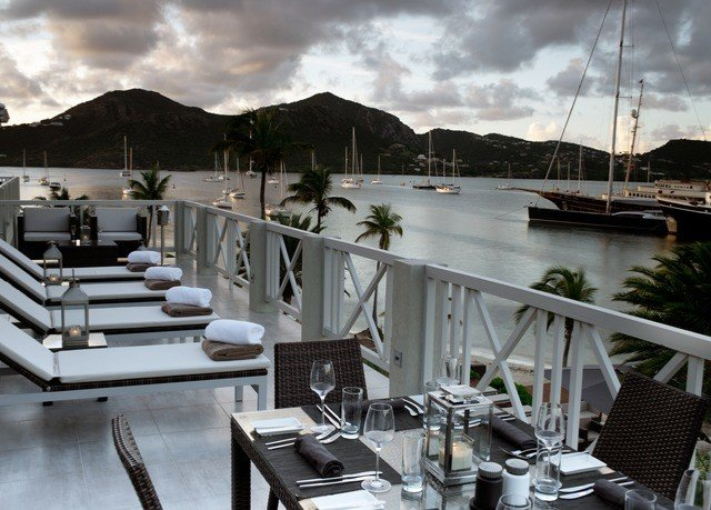 sky Boat vehicle marina yacht passenger ship dock restaurant luxury yacht watercraft Deck overlooking
