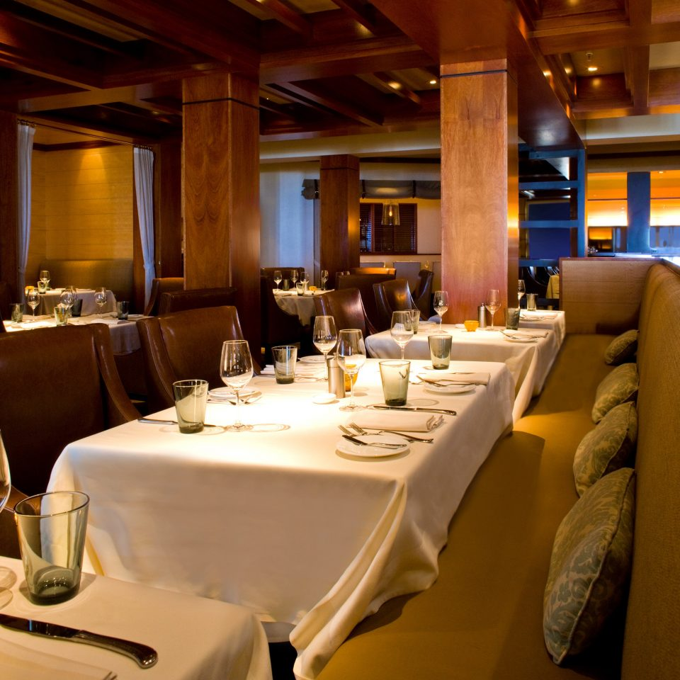 Dining Drink Eat Waterfront Boat restaurant vehicle yacht passenger ship function hall luxury yacht fancy