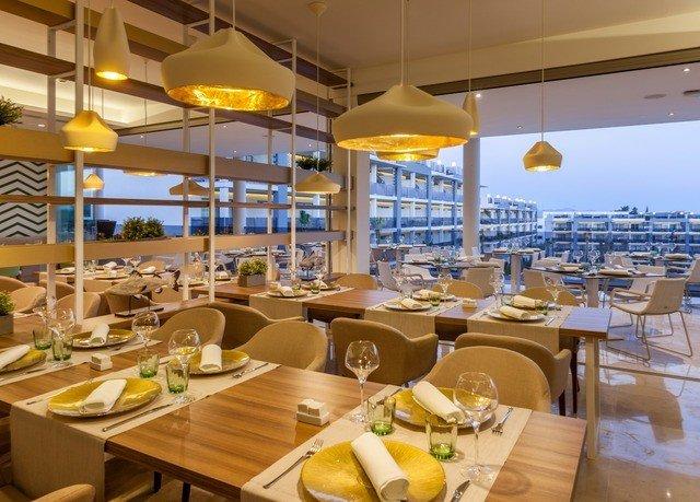 restaurant Dining passenger ship yacht Resort vehicle buffet brunch function hall Boat cuisine set