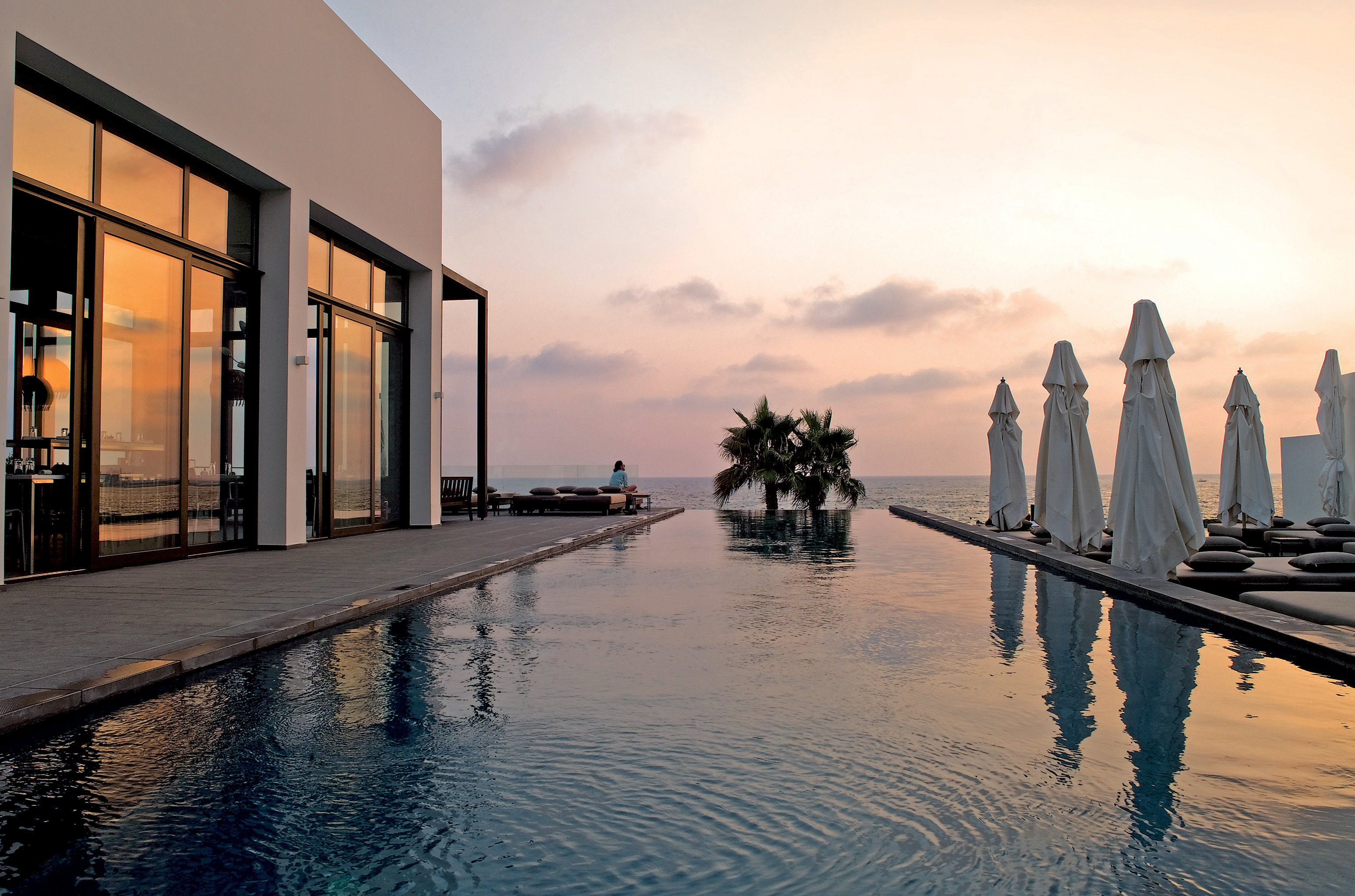 Elegant Family Island Patio Pool Scenic views Sunset Waterfront water sky Boat morning evening Lake dusk cityscape sunlight dock waterway day