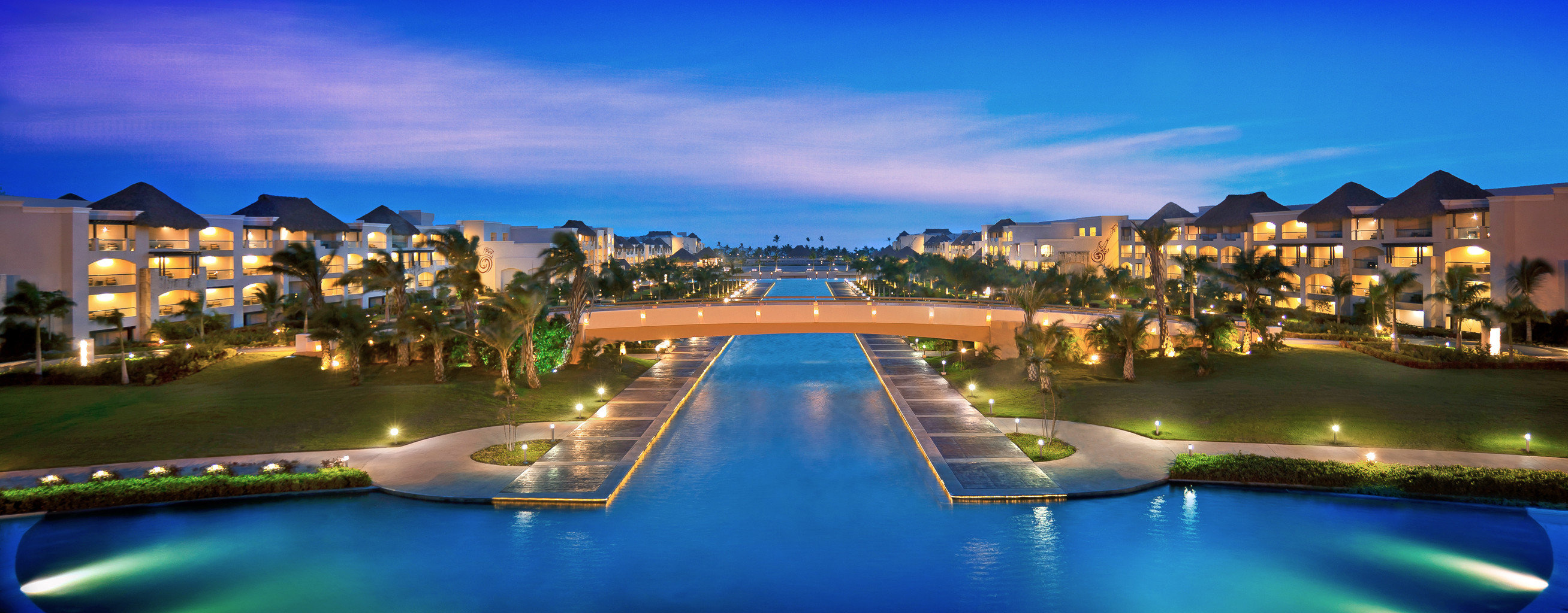 Elegant Hip Luxury Modern Pool sky water Boat leisure swimming pool Resort night cityscape dusk marina shore