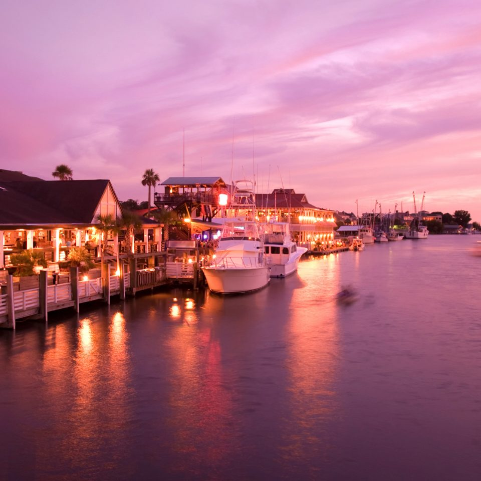 Exterior Forest Grounds Outdoors Waterfront water sky scene Boat night Sunset Harbor dusk evening cityscape docked morning dock Sea dawn River marina waterway vehicle traveling