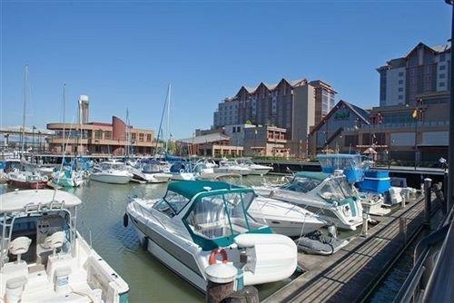sky marina Boat dock vehicle port waterway infrastructure Harbor