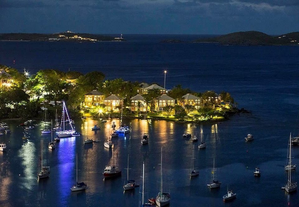 Boat Modern Resort Scenic views Tropical Waterfront water sky scene Sea Harbor night evening dock dusk marina vehicle Lake day