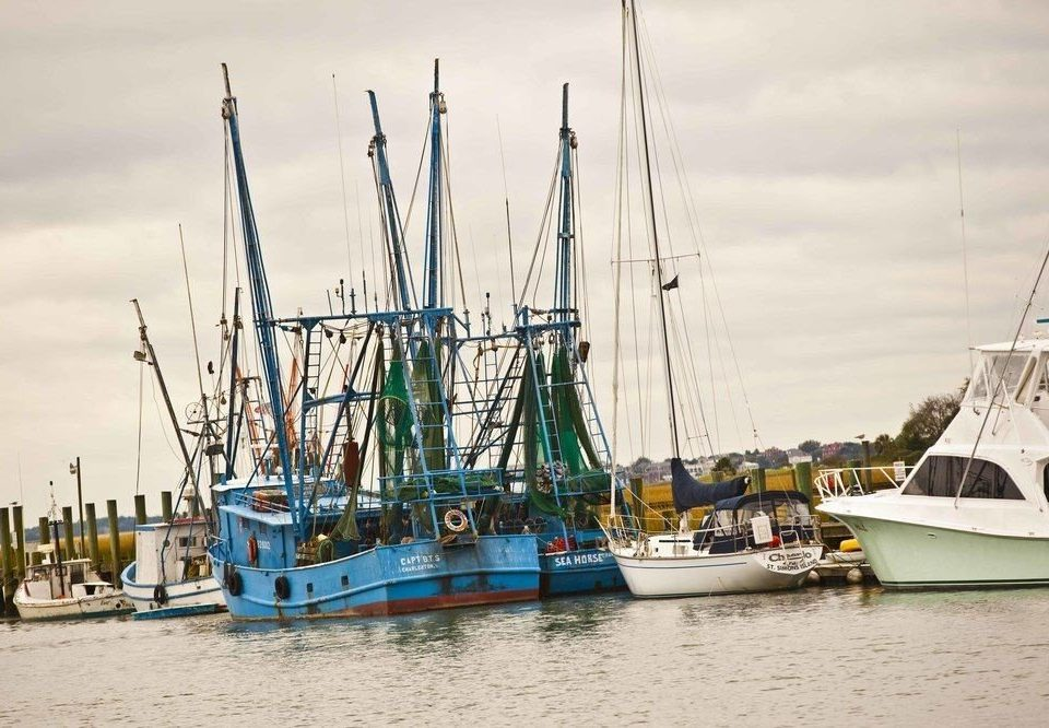 Boat water sky vehicle ship fishing vessel Sea Harbor watercraft dock tall ship port marina mast sailing ship docked sail windjammer