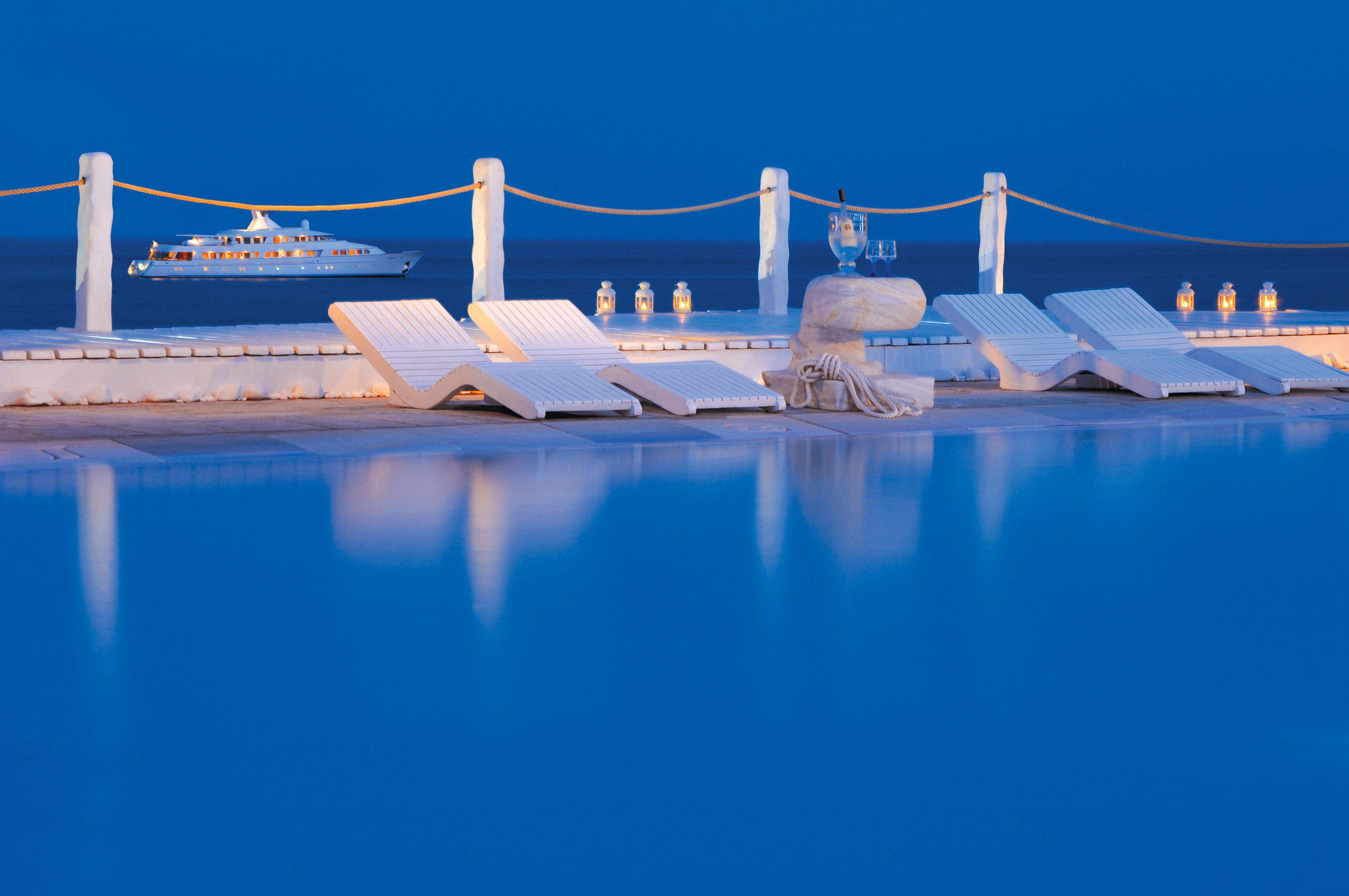 Hip Lounge Luxury Modern Pool sky vehicle water marina Boat dock swimming pool Sea blue watercraft