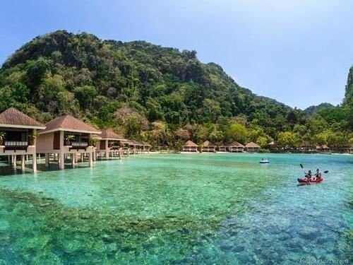 water sky Nature Boat Lagoon Resort surrounded shore reef Island swimming
