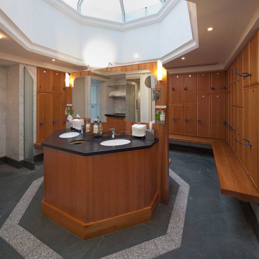 property building Boat cabinetry vehicle home yacht Kitchen Suite watercraft cottage