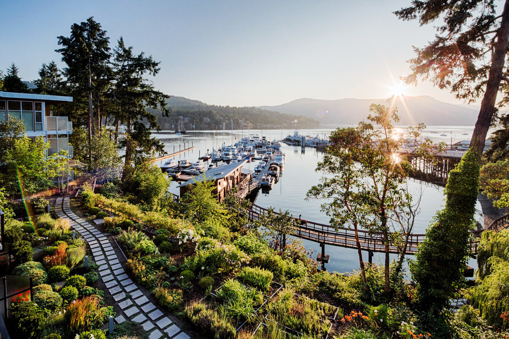 Boat Modern Outdoor Activities Outdoors Resort Romantic Waterfront tree sky River landscape Lake cityscape flower aerial photography plant roller coaster line ride