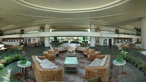 vehicle yacht Lobby passenger ship Boat restaurant convention center shopping mall