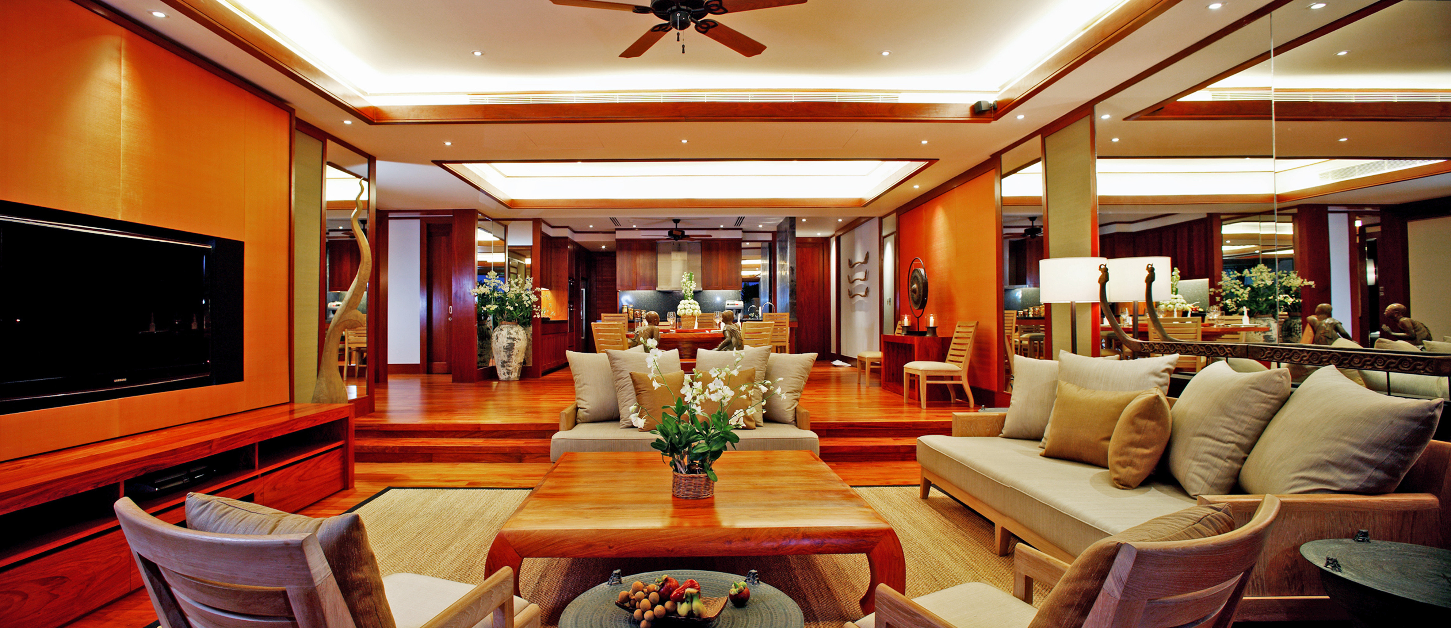 Lobby Lounge sofa recreation room living room vehicle Resort Suite yacht Boat billiard room mansion Modern
