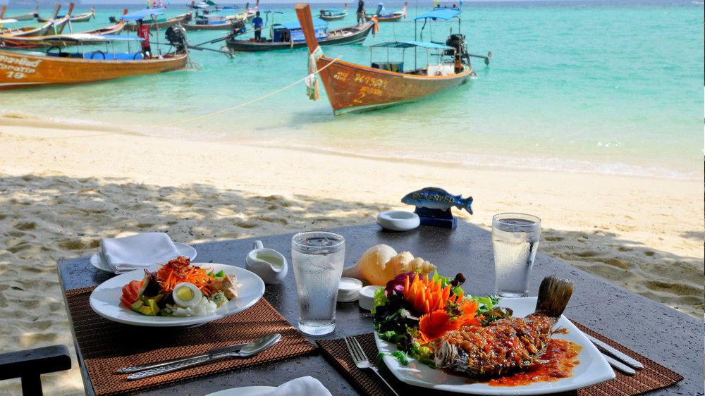 water food Picnic Boat vehicle boating Sea restaurant
