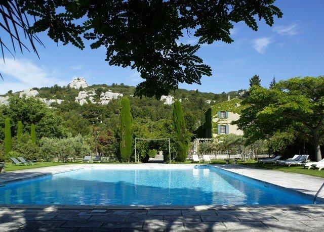 tree sky swimming pool property leisure Pool reflecting pool blue Villa Resort trampoline backyard Boat