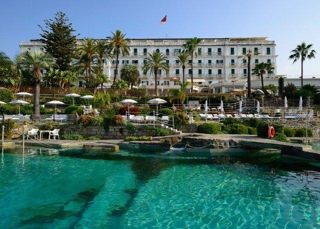 sky water Resort Boat property swimming pool condominium Pool resort town Villa swimming