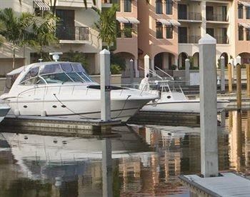 building Boat vehicle marina dock ecosystem yacht watercraft passenger ship ship waterway Resort