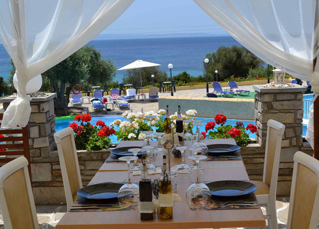 restaurant Resort yacht caribbean passenger ship vehicle Boat