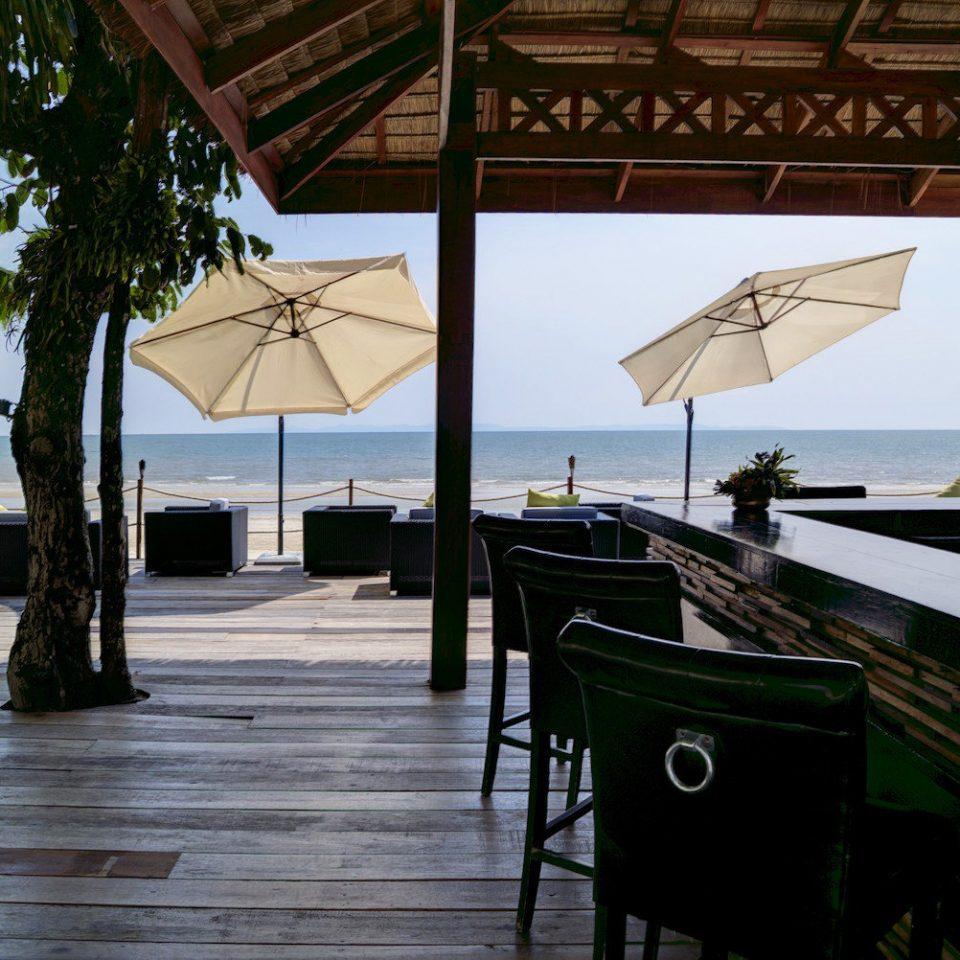 vehicle Boat restaurant Resort dock