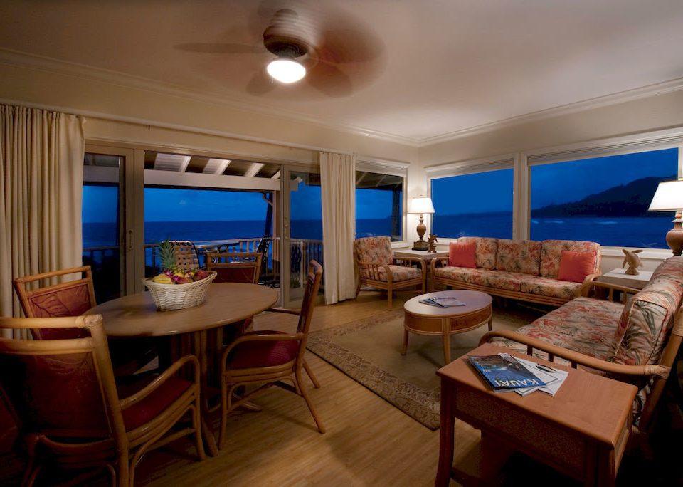 Resort Scenic views Boat property passenger ship vehicle yacht ship watercraft cottage