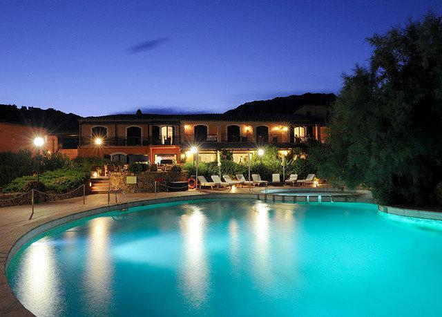 water sky Boat swimming pool property light Resort resort town Villa backyard night