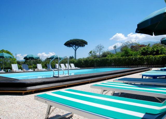 sky swimming pool leisure property Resort Villa Boat condominium day dock