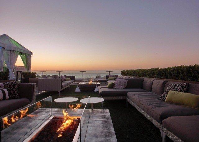 sky property yacht vehicle Boat Villa cottage Resort sofa